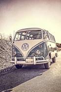 Surfers' Vintage VW Bus