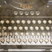 Typewriter 02 Royal keys 2