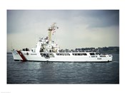 US Coast Guard Cruiser Decisive WMEC-529