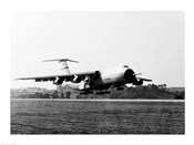 Military airplane taking off, C-5 Galaxy