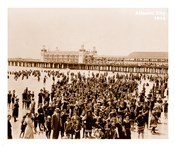 Crowd at Atlantic City 1910