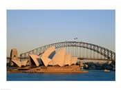 Sydney Opera House in front of the Sydney Harbor Bridge, Sydney, Australia
