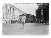 Elphinstone Winning Washington Marathon
