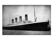 Titanic - B&W photo