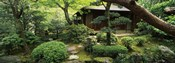 Temple in a garden, Yuzen-En Garden, Chion-In, Higashiyama Ward, Kyoto, Kyoto Prefecture, Kinki Region, Honshu, Japan