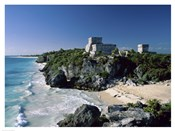 Pyramid on the seashore, El Castillo, Tulum Mayan, Quintana Roo, Mexico
