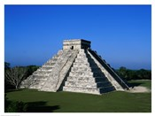 High angle view of a pyramid, El Castillo