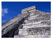 El Castillo Chichen Itza up close