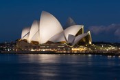 Australia, Sydney Opera House at night on waterfront