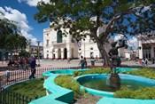 Cuba, Santa Clara, Parque Vidal, Teatro La Caridad