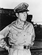 Douglas MacArthur (black & white)