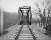 VIEW NORTHEAST OF WEST END OF BRIDGE. - Joshua Falls Bridge, Spanning James River at CSX Railroad