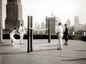Une Partie de Deck - Tennis sur la Terrasse du Toit de l' Hotel Delmonico de New York, 1925