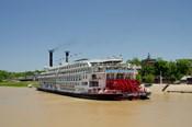 Mississippi, Vicksburg American Queen cruise paddlewheel boat