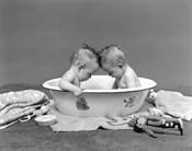1930s Twin Babies In Bath Tub