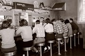 1950s Rear View Of Teenage Boys & Girls?