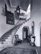 1920s Upscale Home Entry With Spiral Staircase
