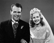 1940s Bride And Groom Linked Arm In Arm